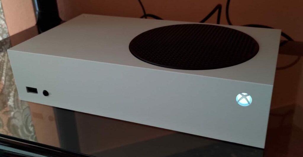 Xbox Series S orizzontale